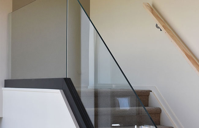 glass staircase balustrade with channel